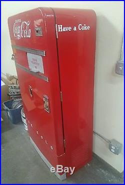 1940's vintage coke machine model #F83A5W