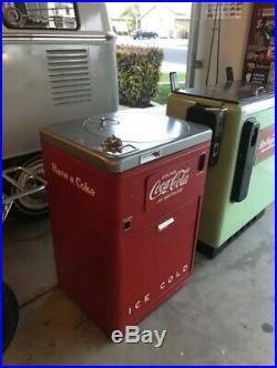 1950 Vintage Coca-Cola Vendo 23 Deluxe Coke Machine. All Original, Gets Cold