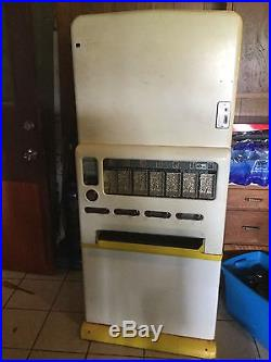 1950s Vintage Stoner 180 Candy With Gum Vending Machine