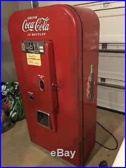 1950s Vintage Vendo CocaCola machine Still Runs Approximately 300lbs