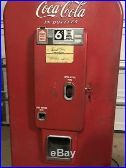 1950s Vintage Vendo Coca-Cola machine still works