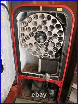 1955 Vintage Vendo 39 Antique Coca-Cola Coke Vending Machine. Doesn't Work