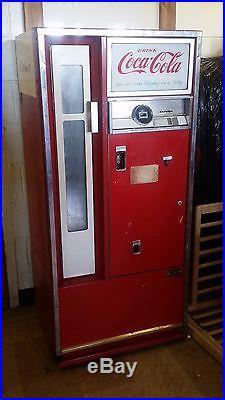 1962 Vintage Cavalier Coca Cola Vending Machine, CS-64E Coke Vending Soda Pop