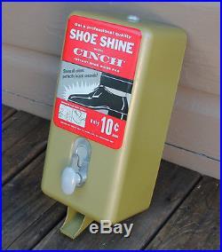 ANTIQUE Vintage Quinn Co. Coin Op Shoe Shine Cinch Cloth Vendor Vending Machine