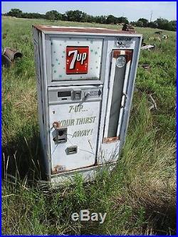 Antique Vintage 7up Machine