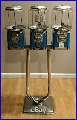 Beaver Triple Head Vintage Blue Candy & Gumball Vending Machine on Chrome Stand