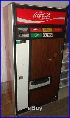 CA0003 Vintage Coca Cola Coke Vendo Model V220-125 Can Soda Pop Vending Machine