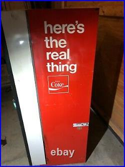 COKE COCA COLA VENDO VENDING MACHINE VINTAGE SODA CANS 1970s