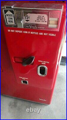 Coca Cola Machine Vintage Original Paint Job and Excellent Condition