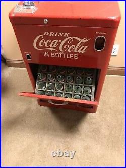 Coca-Cola Vintage Vending Machine 10cent Rare Vendo Model Works Great Cold
