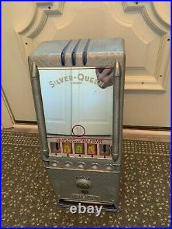 Coin-Op LAWRENCE SILVER QUEEN VENDOR Vending Machine Gum Candy Dispenser with KEY