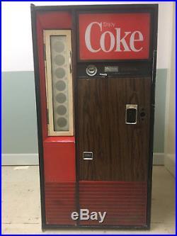 Coke machine- vintage and working