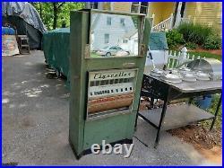 Dugrenier Vintage Vending Cigarette Machine 1957 Candy Coin Operated Keys Rare
