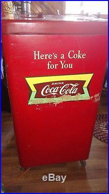 Ice cold vintage 1954 Vendo A23E Spin Top Coca-Cola vending machine Runs VIDEO