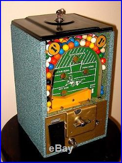 Nice Vintage 1950's 1 Cent Victor Football Pinball Flip Gumball Machine