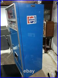 ORIGINAL Vintage Pepsi Cola Vending Machine Model LCV 136 4B DRINK COKE