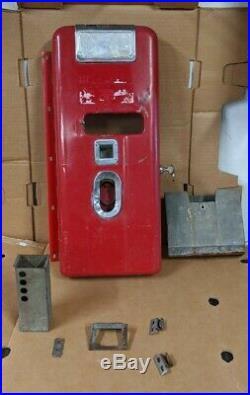 Original Vintage Vendo 110 Coke Machine coin door coin & cap catcher 39 81 56