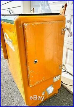 Rare Original Paint Working Vintage Nesbitt's Soda Cooler Vending Machine