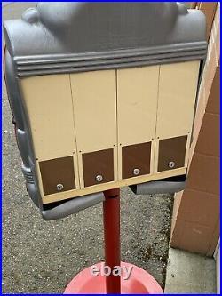 Rare Vintage 1988 Vendall Vendor Robot Gum Ball Vending Machine With Keys