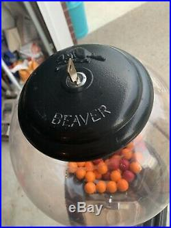 Shooting hoops Beaver Rare gumball machine vintage