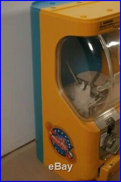 Tomy gacha toy capsule vending machine 1.00 Quarter 2 replacement No Keys