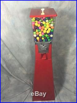 Vintage Gumball/candy Machine 25 Cent With Key Works