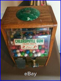 VINTAGE Original Victor Baby Grand One Cent Gumball Machine Chlorophyll Gum
