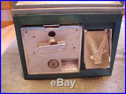 Vintage Victor 77 Golf Ball Vending Machine Dispenser Works Great