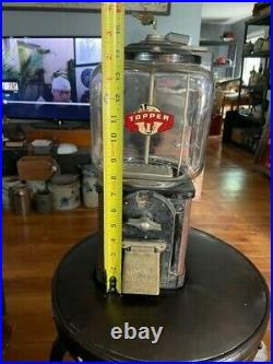 VINTAGE Victor Topper 1 Cent Nuts / Candy Machine Gum Ball WithKey