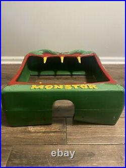 VTG 1988 Vendall Monstor Vending Machine Plastic Frame 21 X 28 X 8 Monster