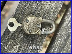 VTG Old Counter Top Ford Gumball Machine Glass Globe Kiwanis Decal Lock/2 Keys