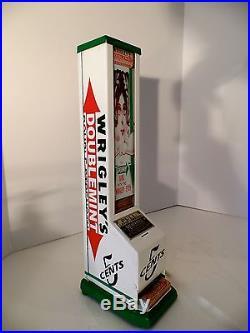 Vtg Wrigleys Vending Machine Coin Op Dispenser Vendor