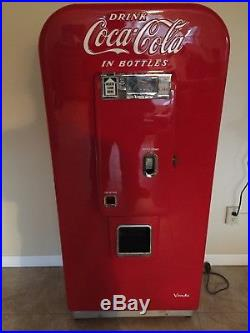 Vendo 80 Vintage Coke Machine. Fully Restored. Must See Local Pickup only