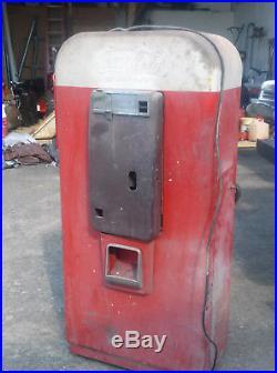 Vendo 80 vintage Coke Machine