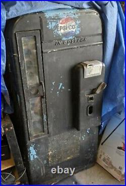 Vendo Soda Machine 81B Vintage