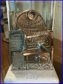 Vintage 1920's Norris Master Penny / Nickel Gumball Vending Machine