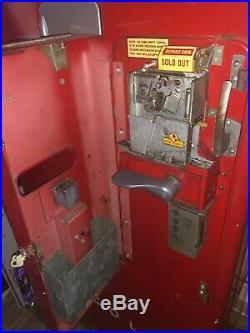 Vintage 1940s Vendo 39 Antique Coke Machine. Original