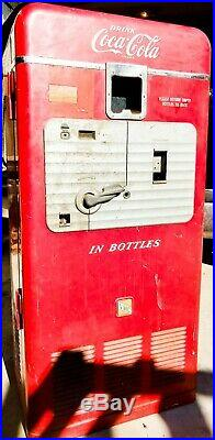 Vintage 1950 Coke RED Coca Cola VMC 27A 33 Vendorlator Bottle Vending Machine