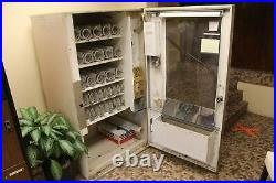 Vintage 1950's 1960's Fawn Snack Vending Machine Model # 20 in working condition