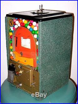 Vintage 1950's 1 Cent Victor Basketball Pinball Flip Gumball Machine