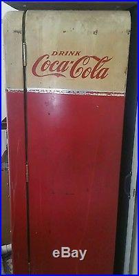 Vintage 1950's Coca Cola Vending Machine Vendo MODEL #83