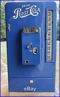 Vintage 1950's Vendorlator VMC 110 Pepsi Machine fully restored Coke Beer Soda