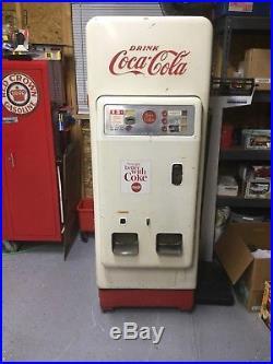 Vintage 1950s 15 Cents Cavalier Coke Cola Machine