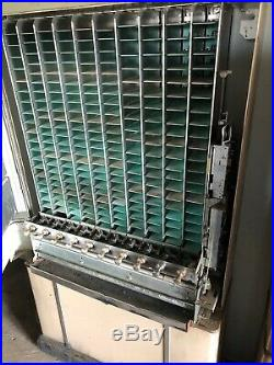 Vintage 1950s-1960s National Candy Vending Machine 10 Pull