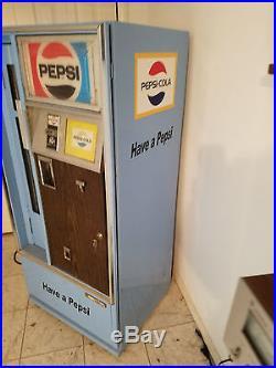Vintage 1960-1970 Pepsi Vending Machine css-64
