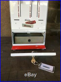 Vintage 1 Cent Vending Machine Beemans Gum Themed Blackjack Clove Candy