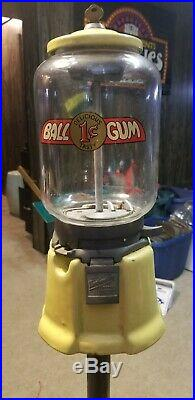 Vintage 1cent Northwestern Model 33 Porcelain Glass Globe Gumball Machine Yellow