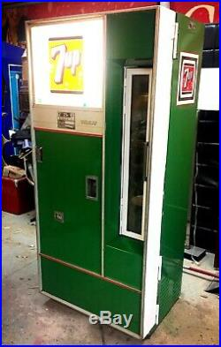 Vintage 50s-60s 7-UP Soda Machine Ice Cold & Works Great