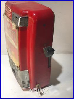 Vintage 5 Cent Vendo Coin Changer IBC Root Beer RC Cola Vending Machine Key
