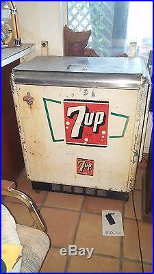 Vintage 7up vending machine